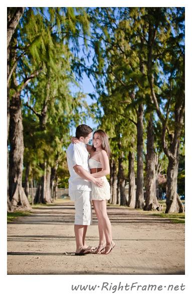 008_Engagement_oahu_Hawaii_Photographer_