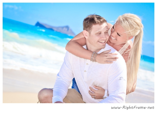 042_Engagement_oahu_Hawaii_Photographer_