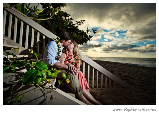 071_Engagement_oahu_Hawaii_Photographer_
