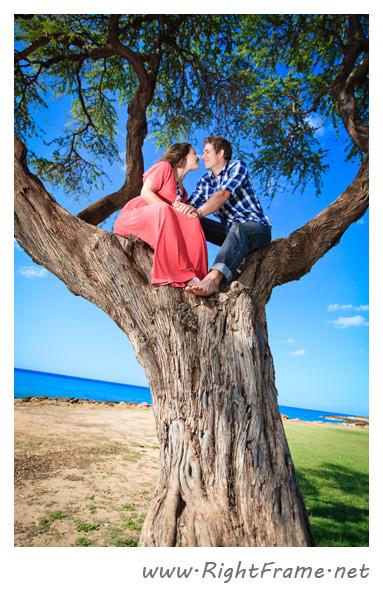 072_Engagement_oahu_Hawaii_Photographer_