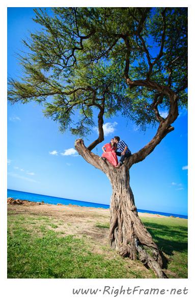 073_Engagement_oahu_Hawaii_Photographer_