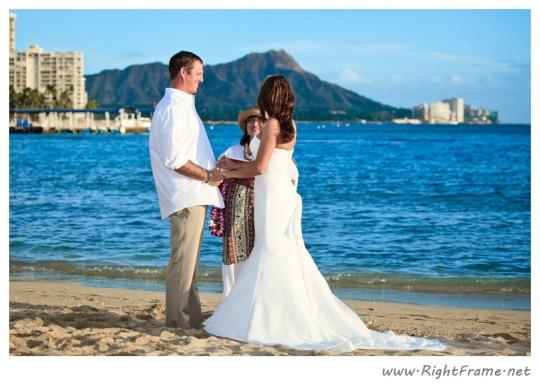 4 Waikiki wedding photographer honolulu