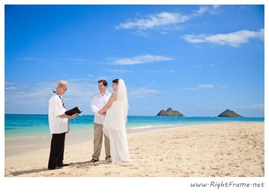 110_Oahu_Hawaii_Wedding_Photographer_lanikai_beach