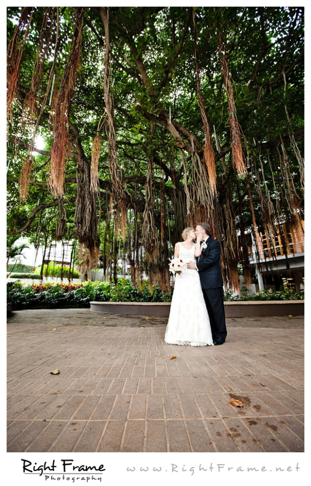 200_Oahu_wedding_Photographers_hale_koa_Hotel