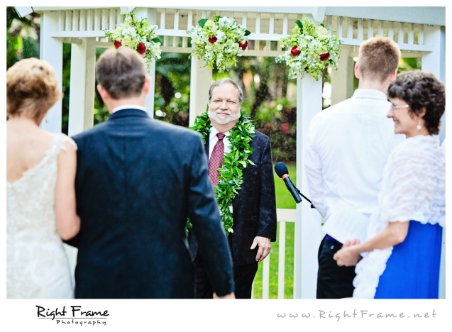 204_Oahu_wedding_Photographers_hale_koa_Hotel