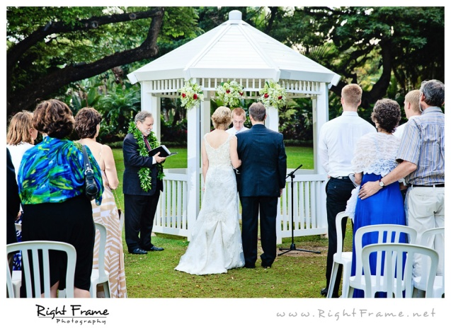 206_Oahu_wedding_Photographers_hale_koa_Hotel