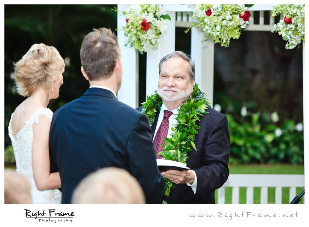 208_Oahu_wedding_Photographers_hale_koa_Hotel