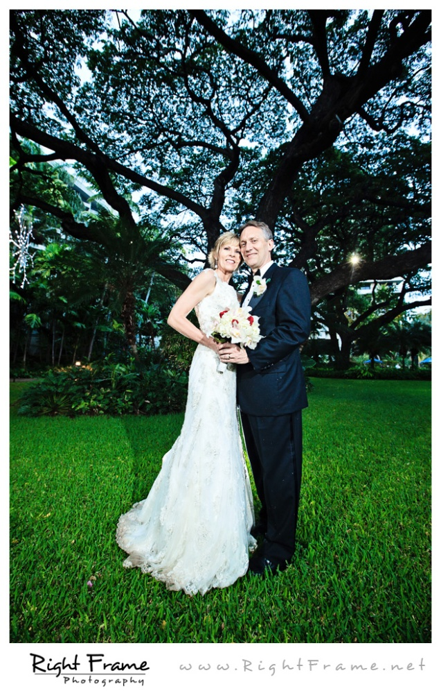 211_Oahu_wedding_Photographers_hale_koa_Hotel