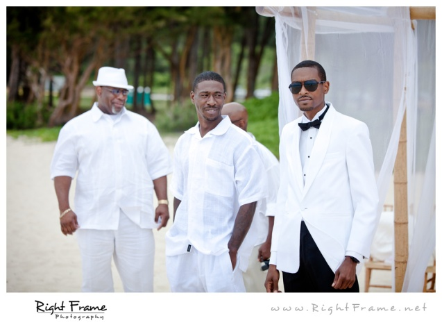 003_Oahu_Wedding_Photographer_Waimanalo_Beach