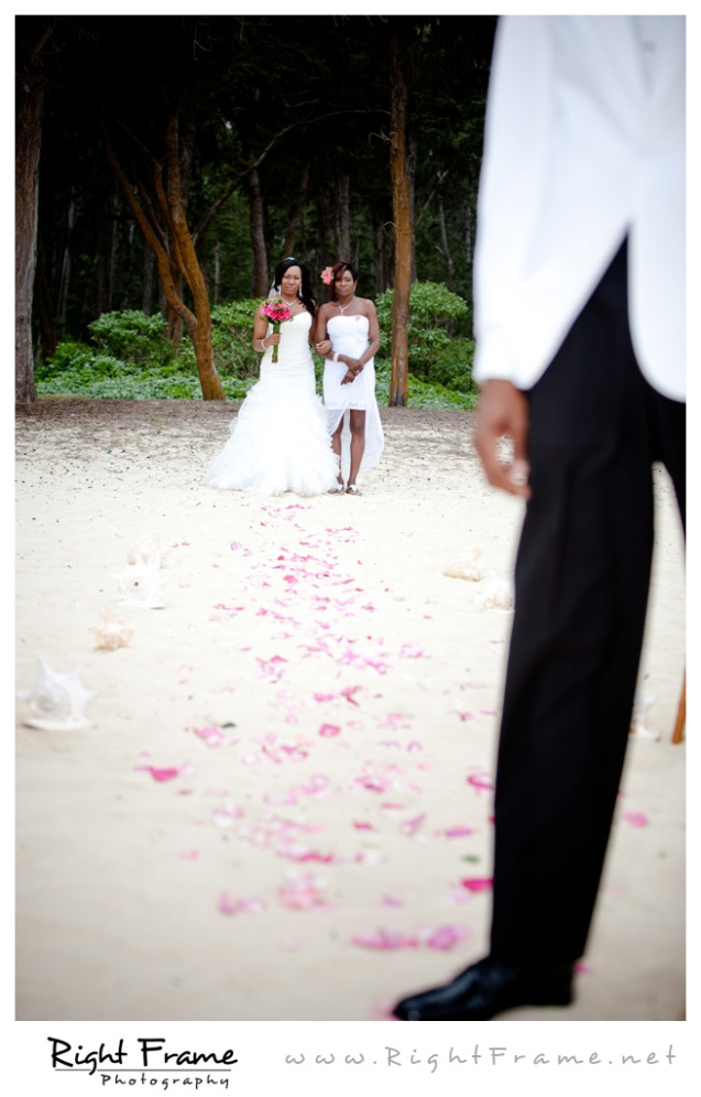 004_Oahu_Wedding_Photographer_Waimanalo_Beach