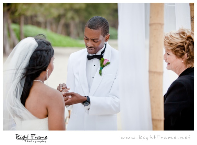 009_Oahu_Wedding_Photographer_Waimanalo_Beach