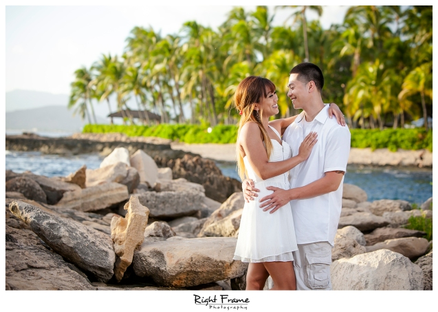 001_honolulu_engagement_photographers