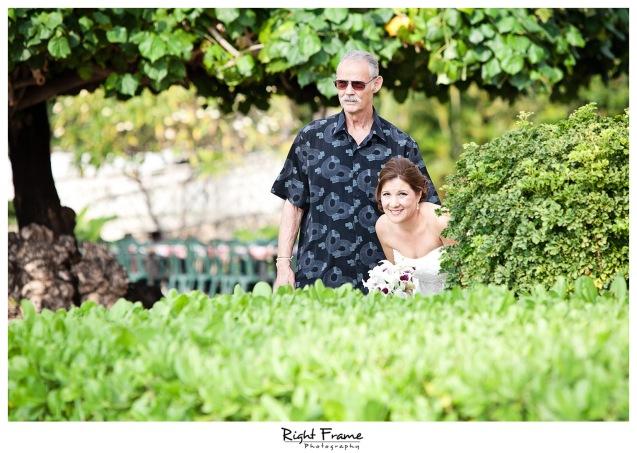 006_Oahu_wedding_photographers_Paradise_cove_