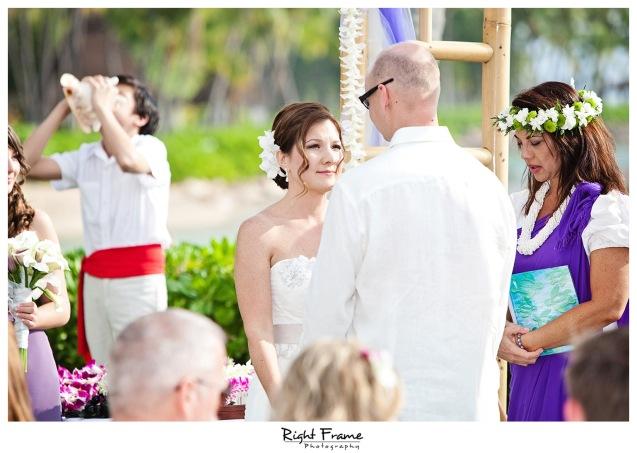 007_Oahu_wedding_photographers_Paradise_cove_