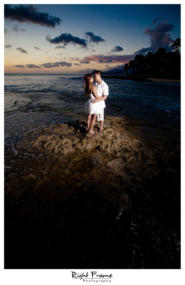 011_honolulu_engagement_photographers