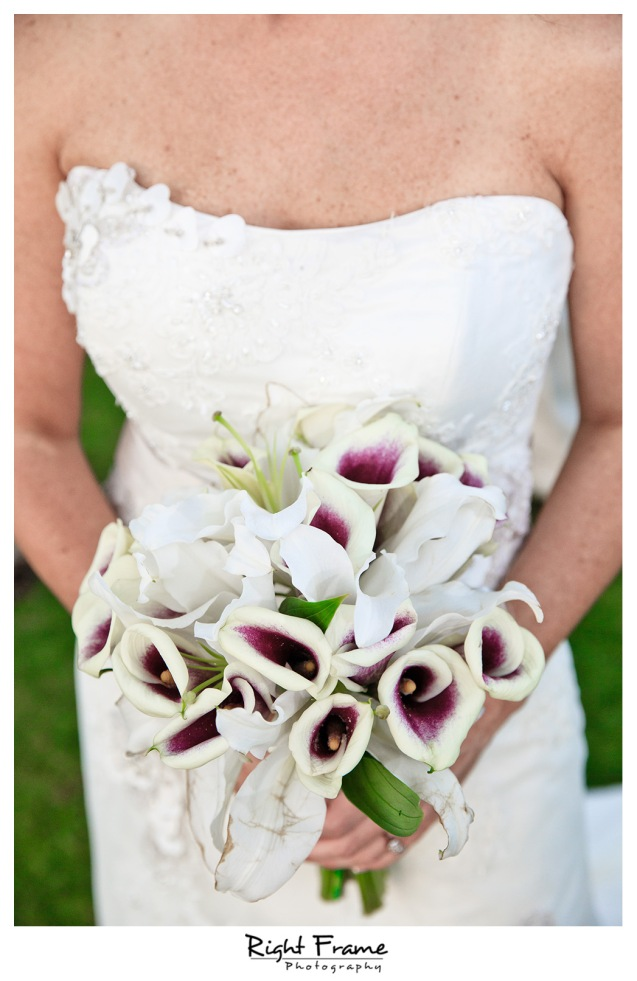 016_Oahu_wedding_photographers_Paradise_cove_