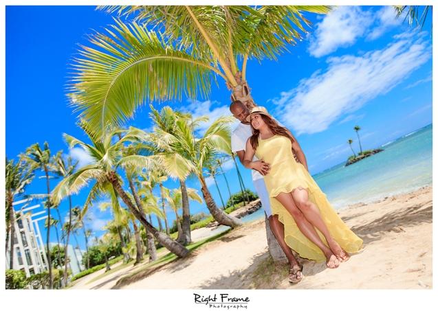 011_Engagement_Photographer_in_Honolulu_Hawaii_Oahu