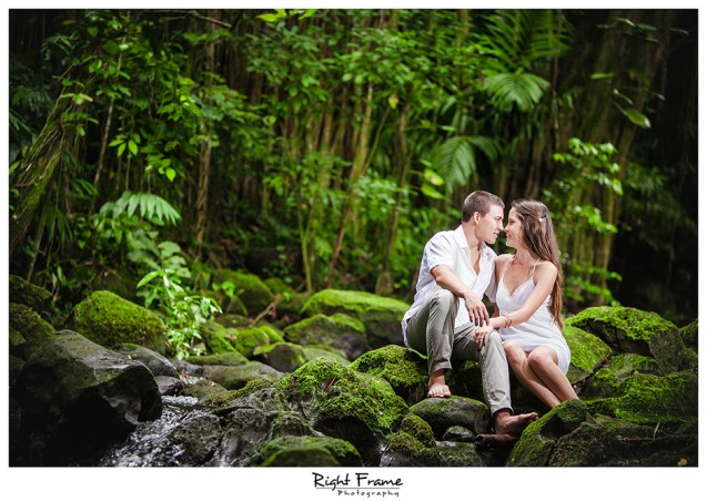 009_Oahu Engagement Photographers