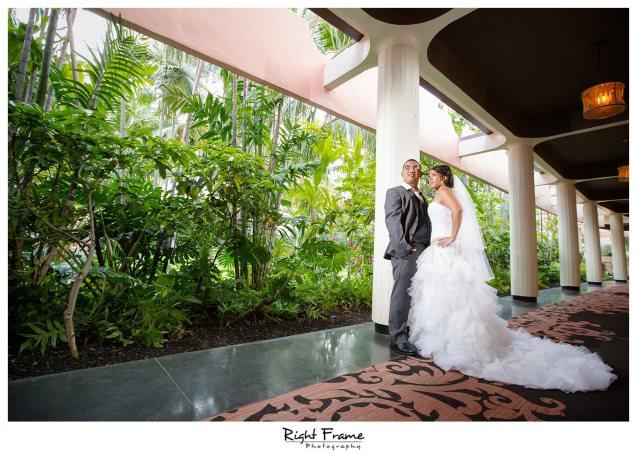008_The Royal Hawaiian Hotel Wedding Helumoa Garden