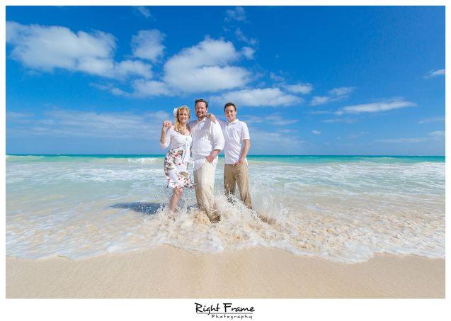 082_oahu family beach photographers