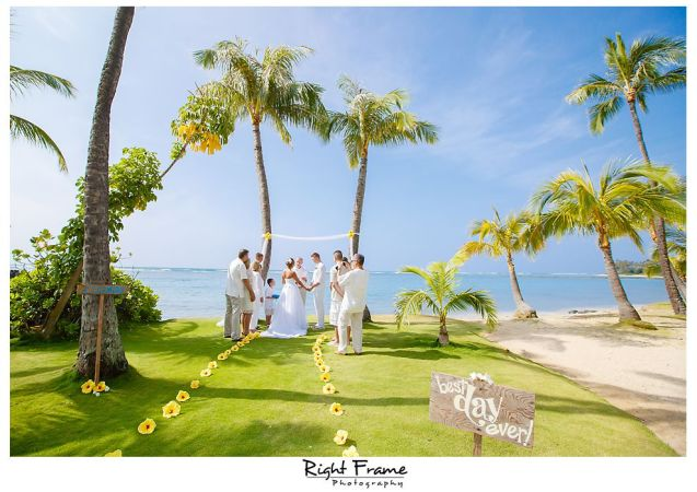 060_Hawaii Wedding Photographer Kahala Beach