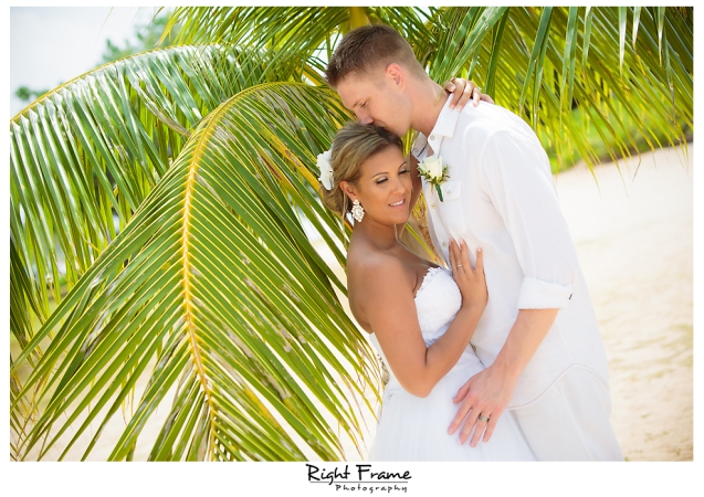 140_Hawaii Wedding Photographer Kahala Beach