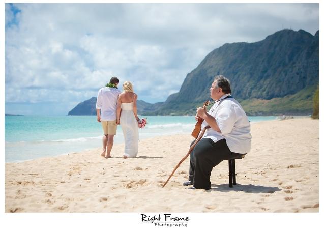 198_hawaii beach weddings oahu