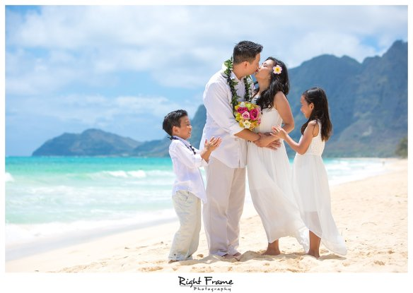 Wedding Vow Renewal.Oahu Wedding Vow Renewal Ceremony Oahu Wedding Photographer