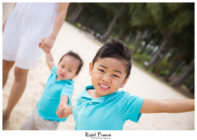 Hawaii Family Pictures on Waimanalo Beach Oahu
