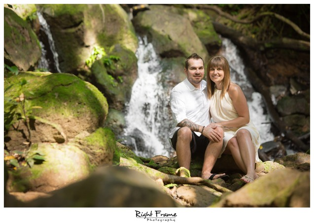 Engagement photographer in Hawaii Oahu