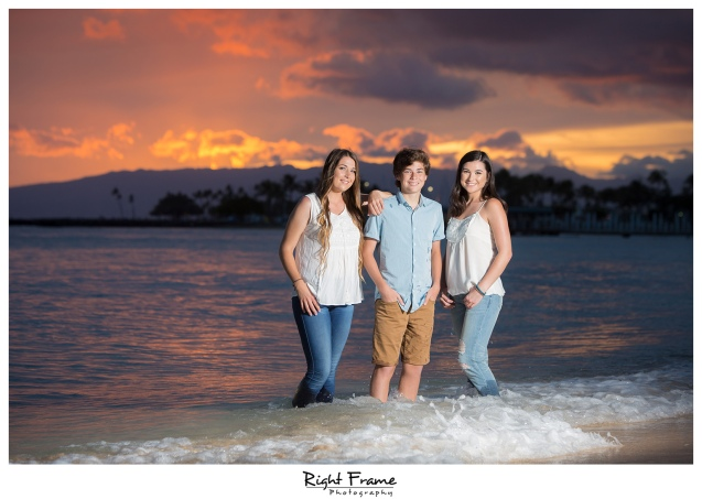 The Best Family Sunset Portraits in Waikiki Beach