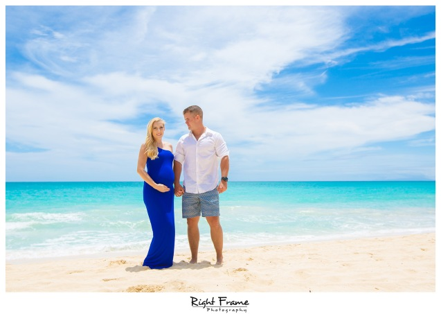 Pregnancy Announcement in Hawaii WAIMANALO BAY