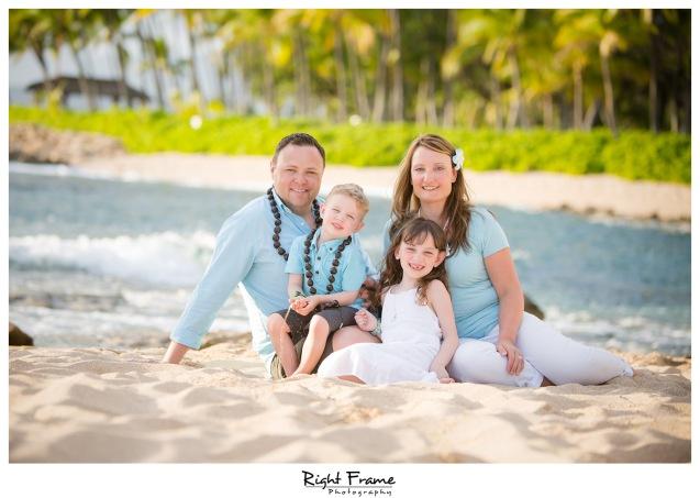 Sunset Family Beach Photo Session on Secret Beach Ko'Olina