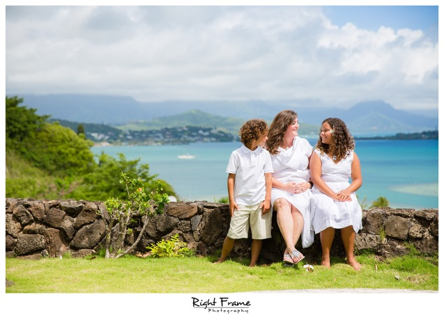 Family Portraits in Kailua Ocean View Estate