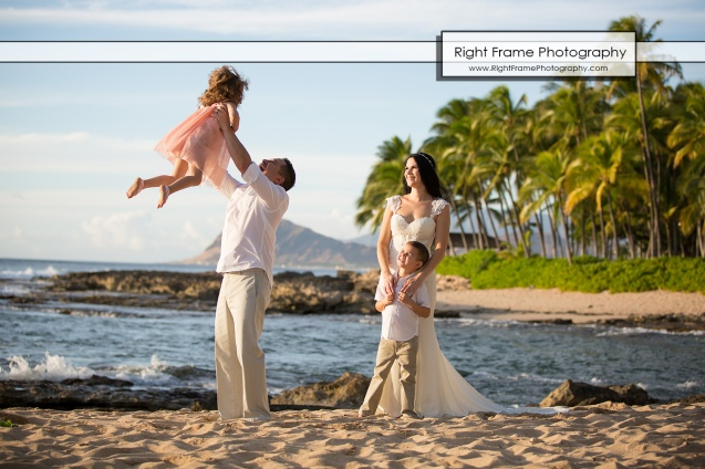 SUNSET FAMILY PHOTOGRAPHER near Four Seasons Resort Oahu