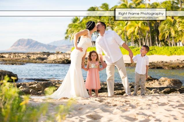 SUNSET FAMILY PHOTOGRAPHER near Four Seasons Resort Oahu