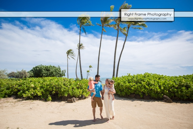 Vacation Photographer in Honolulu Hawaii near Kahala Hotel