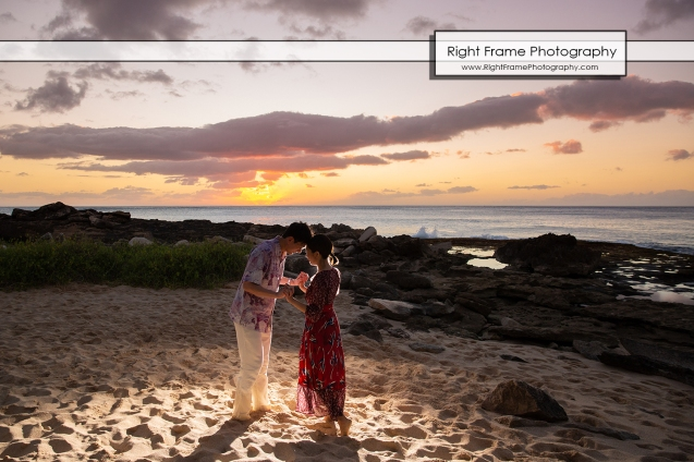 Vacation Photographer in Oahu Sunset Secret Beach