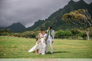 FAMILY PHOTOGRAPHER NEAR KUALOA REGIONAL PARK