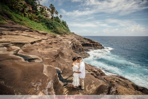 OAHU CLIFF ENGAGEMENT SESSION